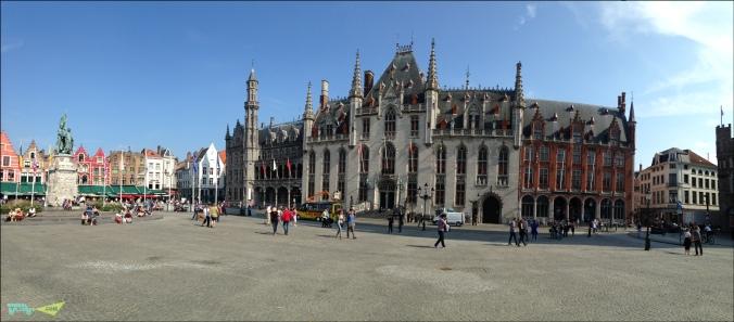 Здание правительства на рыночной площади