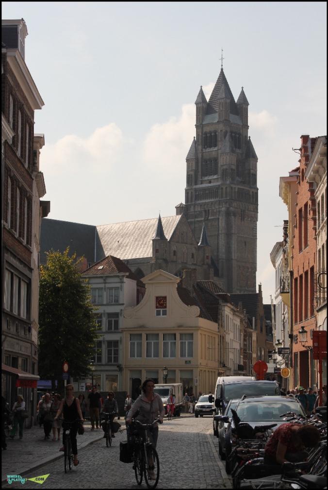 Кафедральный собор. Вид с переулка.