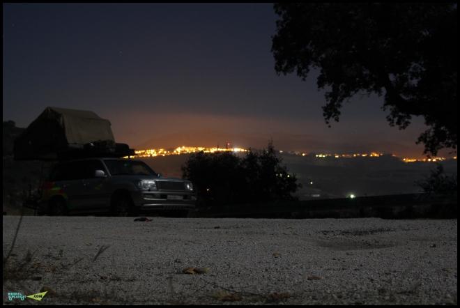 Вид на Ронду с противоположных гор, ночью