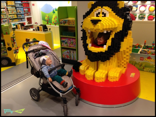 Лего магазин в Копенгагене.