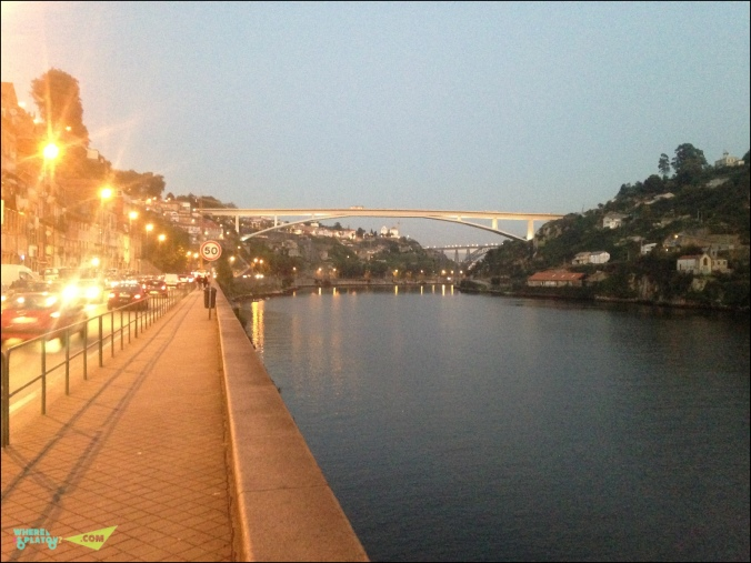 На втором плане Мост Мариа Пиа Эйфеля.