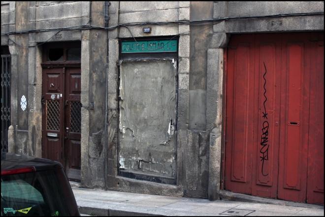 В этих стенах я вижу Гоанский Пананджи.