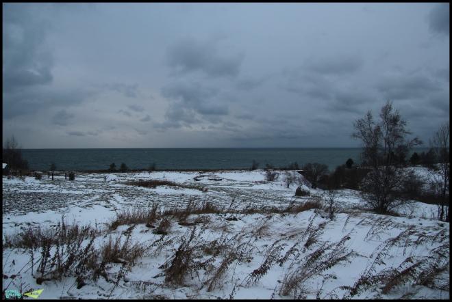 Суровый, леденящий Байкал.