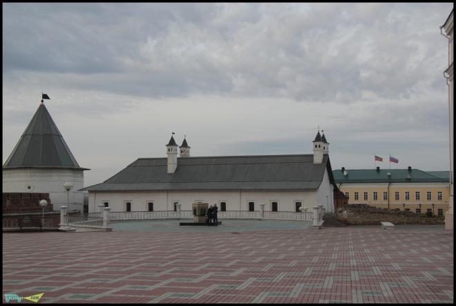 Внутри Казанского Кремля.